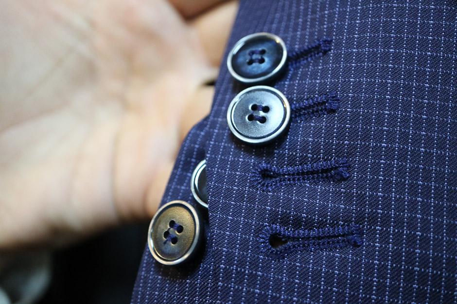 durchknöpfbare Knopflöcher beim Sakko